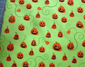 Fat quarter Robert Kaufman Eerie Alley series Pumpkins