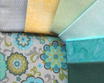 DESTASH - Fabric Snap Pack - Includes Total of 2 yrds, 1/2 Feature Fabric and 6 Coordinating Fat Quarters - Beachside Cottage