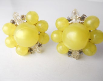 EARLY PLASTIC BEADS vintage 1950s, clip on earrings, yellow plastic, large baubles