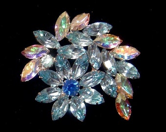 Vintage Blue rhinestone flower Brooch  pin
