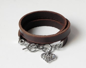 Brown Leather Charm Bracelet Leather Cuff Leather Bracelet with Stainless Three Rings Clasp and Heart Charm