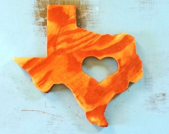 Wooden Distressed Texas State Shape Wall Decor