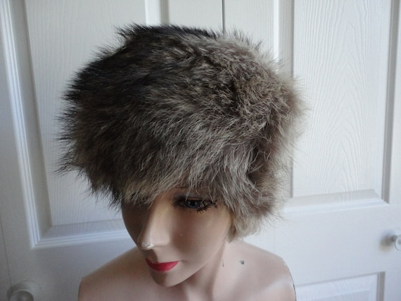 vintage raccoon fur hat small 21 75 inches by