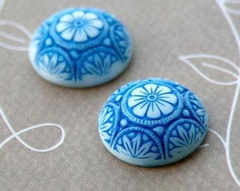 05042 Glass Preciosa blue cabochon 18mm – pack of 2