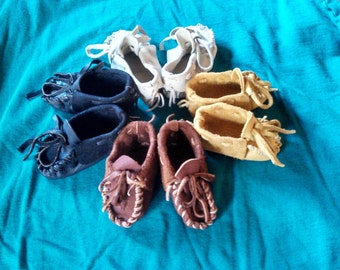Buckskin Baby Moccasins ---- Pre-made Baby Booties (Black in 4 sizes) Newborn Deerskin Shoes, Native American Moccasins, Leather Slippers
