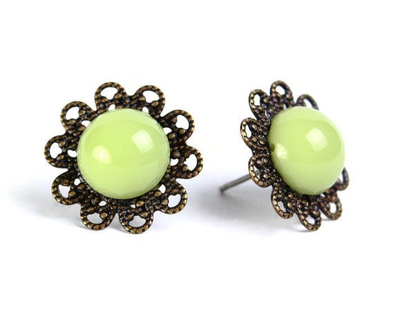 Vintage earrings green hypoallergenic surgical steel post (474) - Flat rate shipping