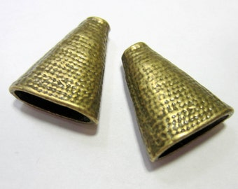18 Antique bronze bead caps cone 18mm x 23 mm x 9mm jewelry end caps triangle caps 2176