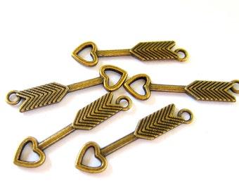 18 Arrow charms antique bronze pendants no lead no nickel 30mm x 7mm Bu 4031