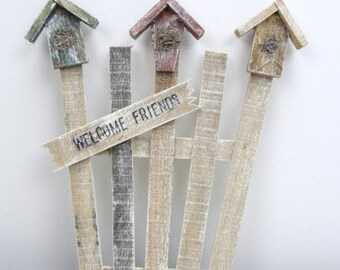 Mini rustic garden trellis with birdhouses and welcome friends sign DIY decorate yourself