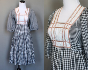 Vintage Summer Dress 1970s Cotton Gingham with Tiered Full Skirt Eyelet Bodice with Ribbon Puffy Sleeves Small