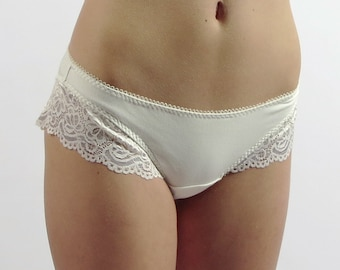 womens bamboo panties with lace trim  - GEM lingerie range - ready to ship - sale - pink - large