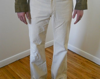 1970s Levis White Canvas Work Pants 33x34