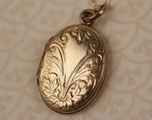 Oval Gold Filled Art Nouveau Flower Locket Necklace, Vintage Pendant, Antique Art Nouveau Jewelry, Leaves Jewellery, Keepsake