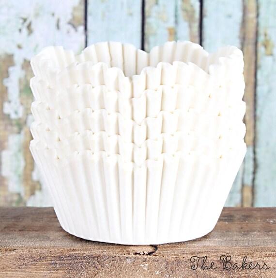 White Petal Cupcake Liners, White Scallop Edge Cupcake Liners, Wedding Cupcake Liners, Paper Cupcake Liners, White Cupcake Wrappers (50)