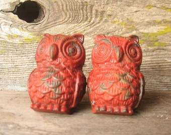 Rustic Red Cast Iron Owl Knobs/ Bird Drawer Knobs / Drawer Pulls/ Shabby Chic/ Rustic/ Cupboard Knobs/ Drawer Handles/ Nursery Set of Two