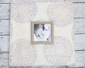 Ombre Lavender Zinnia 5x5 Distressed Frame