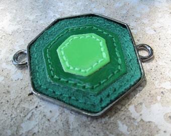 Wholesale 1 pc Pewter/Vinyl Green Hexagon Pendant 48x47mm