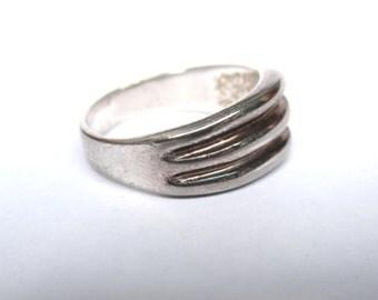 Vintage Mid Century Modern Sterling Ring - Sz 7