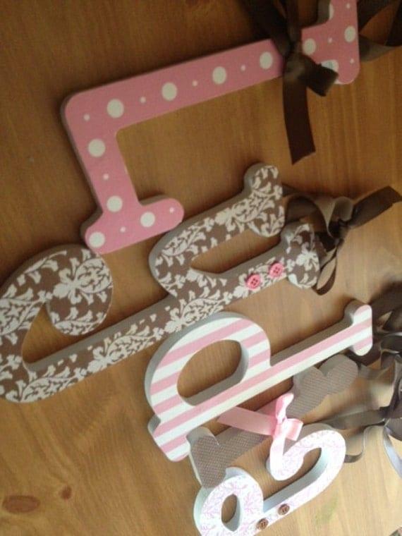 rosa und braun baby girl holzbuchstaben kinderzimmer pink