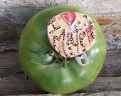 Tomato, Tomato Lover, Maters, I Love Tomatoes, Tomato Bottle Cap Pin: I Love Maters  shipping included
