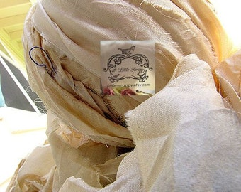 Sari Silk Recycled Ribbon in a Soft Antique White Blend