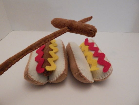 Felt Food Toys R Us : Hot dogs with mustard felt food plush toy set of two
