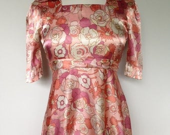 Cottage Chic Pink And White Silky Satin Spring 70s Vintage Floral Boho Dress