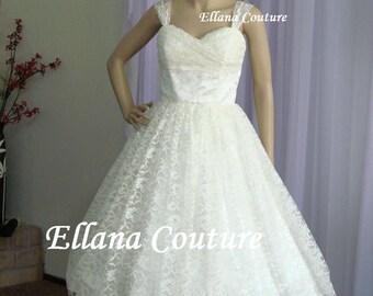 Plus Size. Iris - Retro Style Bridal Gown. Lace Tea Length Wedding Dress. Vintage Look.