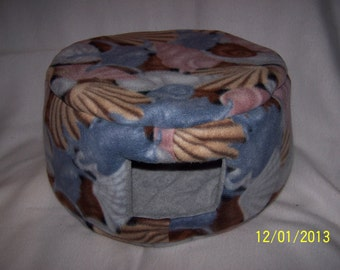 Medium Custom Cozy Bed for ferrets  and small animals - Pastel Shells