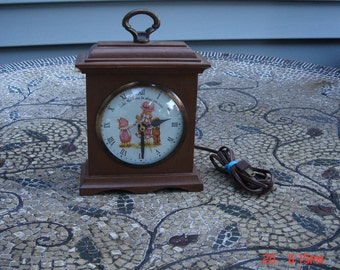 Collectible Holly Hobbie Clock - American Greetings 1973 - Made in the U.S.A.