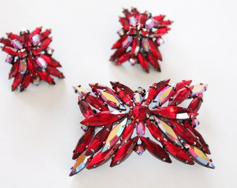 Sherman brooch and earrings - signed Sherman Jewelry - Japanned Siam Red demi parure