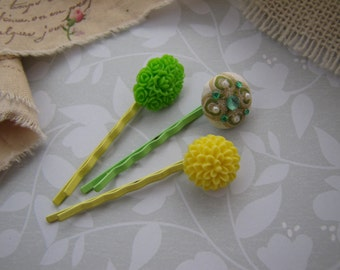 Lemon Lime . bobby pins . girls hair accessory . yellow green . floral