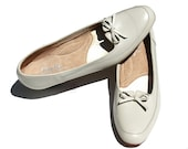 Vintage Clinic Light Taupe Soft Leather Bow Classic Slip On Dress Shoes Sz 9  1/2