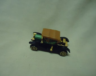 Vintage Plastic Classic Car Toy, no 304, Made in Hong Kong, collectable