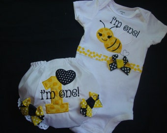 1ST BIRTHDAY Bodysuit and Bloomers Set - Birthday Outfit - Bumblebee Birthday-Smash Cake Set -Appliqued Bumblebee and number one