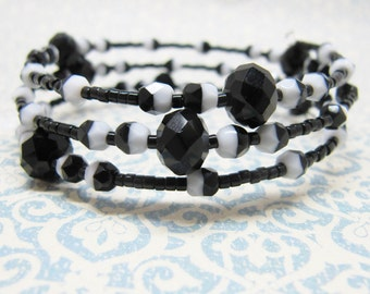 Black and White Beaded Memory Wire Bracelet, Black and White Beaded Wrap Bracelet, Chinese Crystal Bracelet