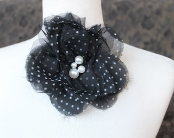 Cute  flower  with  polka dots  and pin  back 1 piece listing