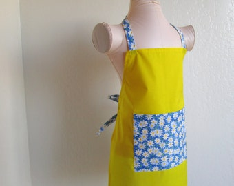 Childrens Apron-Sunny Yellow apron with Beautiful Blue and White Daisies, a little chefs cooking apron or fun to create arts and crafts in