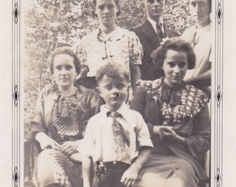 Vintage Photo - Group of Young People (GGG)