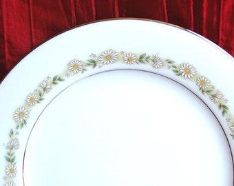 "6 Vintage Noritake China 6908 ""TRILBY"" Salad Plates with White Daisies circa 1969-1984"