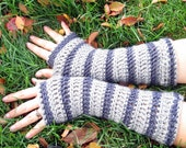 extra soft striped gloves in charcoal and heather grey