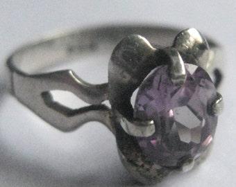 Sale Vintage Sterling Silver Ring Amethyst or Purple Rhinestone