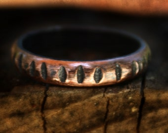 Mens Copper band, Copper Wedding Everyday Ring, 4mm Wedding Band, Rustic Wedding Ring, Copper Ring, notch ring, dark copper ring