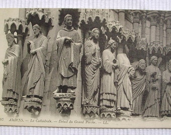 Unused Vintage French Postcard - Cathedral at Amiens, France