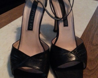 Vintage Intermezzo Strappy Sandals Ladies Size 7.5  Leather Black Ankle Straps Buckles Open Toe Made in Italy