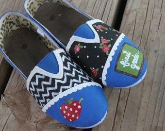 Handpainted Teacher Toms... personalized for your special occassion or school spirit colors painted shoes