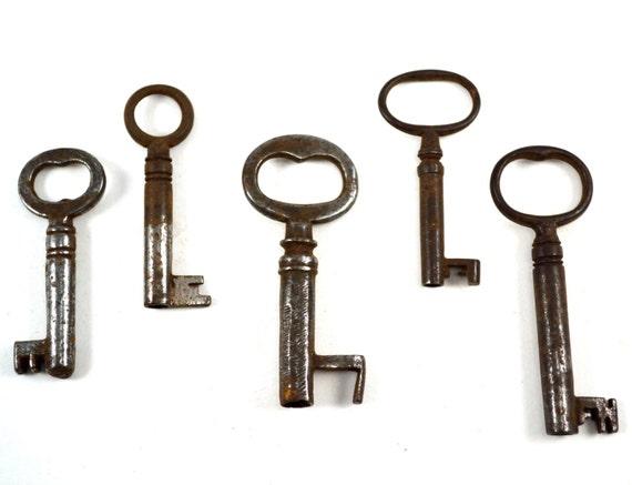 Antique Skeleton Keys for Steampunk Art, Steampunk Supplies, Lot of 5