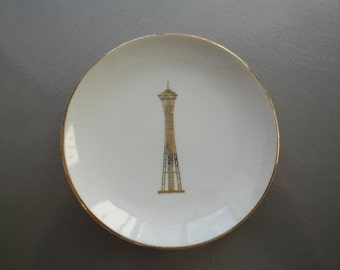 Vintage Retro Seattle Space Needle Souvenir Plate