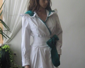 Elegant white jacket with green