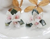 4PCS Colored Enameled Highly Detailed Handmade Beautiful  Colorful  ceramic Flower Cabochon -has bead hole -(CAB-EN-51-5)